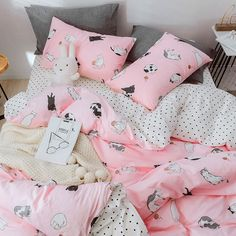 Lovely Cats Bedding Set ●Note :The bedding set has one duvet cover with no filling,one bed sheet and pillowcase. ●Tip:You can choose the size of the bedding set according to the size of the quilt. Cool Bedrooms For Teen Girls, Awesome Bedrooms, Teen Bedroom, Bedroom Ideas, One Bed, Flat Ideas, Nice Things, Bed Sheets, Bedding Sets