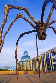 Maman sculpture by Louise Bourgeois, National Gallery of Canada