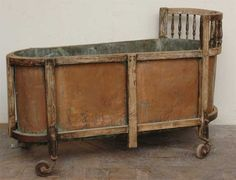 * ANTIQUE BATHTUB * ~ Copper, from the 18th Century.