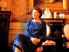 Our Queen quits her job!    Koningin Beatrix in het Koninklijk Paleis aan de Lange Voorhout in Den Haag in 1981.