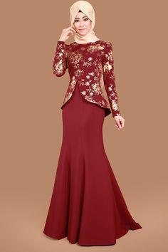 Varak Detaylı Kuyruklu Balık Abiye Bordo Ürün Kodu: ASM1057-S --> 69.90 TL Skirt Fashion, Hijab Fashion, Fashion Dresses, The Dress, Dress Skirt, Kebaya Moden, Hijab Dress Party, Hijab Wear, Kids Frocks Design