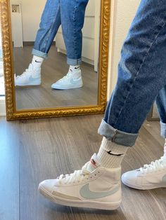 Dr Shoes, Swag Shoes, Hype Shoes, Me Too Shoes, Jordan Shoes Girls, Girls Shoes, Cute Sneakers, Sneakers Nike, Aesthetic Shoes