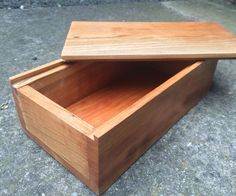 How to Make a Wooden Box - INCLUDES SLIDING DOVE-TAILS + MITRE JOINTS