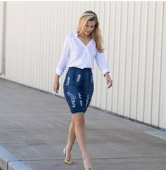 Such a cute fashion Demin Skirt, Denim Skirt Outfits, Cute Outfits, Cute Fashion, Denim Fashion, Skirt Fashion, Modest Summer Outfits, Skirt Images, Plus Size Looks