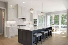 64 adorable white kitchen design ideas 1 ~ Design And Decoration Kitchen On A Budget, Home Decor Kitchen, Interior Design Kitchen, New Kitchen, Home Kitchens, Kitchen Ideas, Kitchen Pics, Two Tone Kitchen, Kitchen Layouts