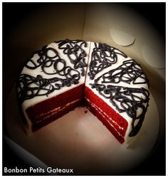 Very simple yet elegant looking. Buttercream Cake, Red Velvet, Cakes, Elegant, Random, Simple, Desserts, Food, Dapper Gentleman