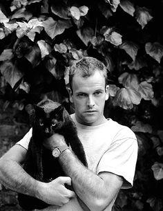Black cat and their friend Jonny Lee Miller Jonny Lee Miller, Crazy Cat Lady, Crazy Cats, Celebrities With Cats, Celebs, Men With Cats, Johnny Lee, Animal Gato, Gatos Cats