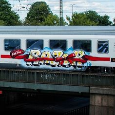 RAZOR @razor_first _______________________ #madstylers #graffiti #graff  #style #colorful #trainbombing #stylewriting #summer #sprayart #graffitiart