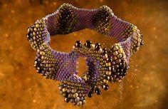 Peyote bubble beadwoven bracelet by Hanneke Wels