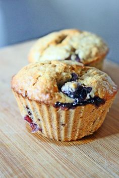 muffin saudavel de aveia e mirtilos sem gluten sem lactose joanabblIMG_2876 Sin Gluten, Top Recipes, Baby Food Recipes, Cake Recipes, Candy Cakes, Cupcake Cakes, Lactose Free Diet, Biscuits, Healthy Cooking Recipes