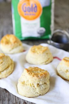 Flaky, tender biscuits made with Greek yogurt. Our favorite biscuit recipe and they are easy to make too! Oatmeal Biscuits, Fluffy Biscuits, Tea Biscuits, Cinnamon Biscuits, Homemade Biscuits, Yogurt Biscuit Recipe, Baking With Yogurt, Arlette Biscuits, Greek Yogurt Recipes