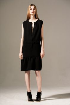 http://www.style.com/slideshows/fashion-shows/pre-fall-2011/preen-by-thornton-bregazzi/collection/10
