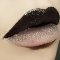 Black to beige ombre lips. - Black to beige ombre lips. Black to beige ombre lips. Makeup Inspo, Makeup Art, Lip Makeup, Makeup Inspiration, Makeup Tips, Black Lipstick Makeup, Dark Lipstick, Makeup Ideas, Nude Lip