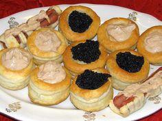Tartine di Pasta Brisée con Panna Acida e Caviale