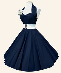 Beautiful vintage halter dress. Hope I can find one in real life!