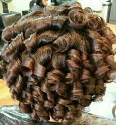 Spring Hairstyles, Curled Hairstyles, Pretty Hairstyles, Hairstyle Ideas, Long Curly Hair, Big Hair, Black Hair Curls, Stacked Haircuts, Bouffant Hair