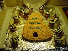 Bee and beehive cake idea