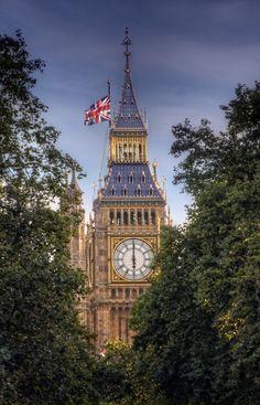 Elizabeth Tower with Big Ben - London