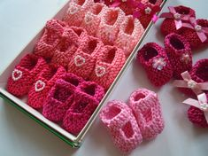 BESTSELLER Girl baby shower decorations: 4 pairs hand knit mini booties…