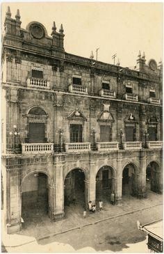Ayuntamiento : Castellón de la Plana (s.a.) - Roisin, L Valencia, Notre Dame, Louvre, Building, Travel, Town Hall, Antique Photos, Printmaking, Crates