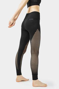 L2017 http://www.topshop.com/en/tsuk/product/clothing-427/trousers-leggings-4075710/fishnet-seamless-ankle-leggings-by-ivy-park-6210427?bi=260