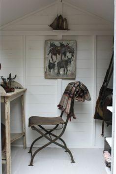 attic home office workspace | interior design + decorating ideas