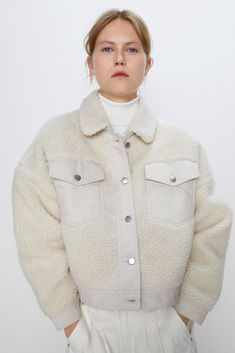 Fall's Top Trends Are Hiding In Zara's Best-Sellers List Zara, Latest Outfits, Fashion Outfits, Faux Shearling Jacket, Markova, Oversized Blazer, Spring Tops, Sheer Dress, Models