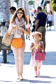 Honor #Mom #Daughter #Jessicaalba
