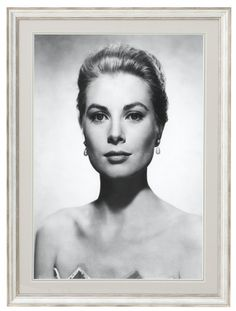 """sparklejamesysparkle: """" Grace Kelly by Virgil Apger, publicity portrait for Alfred Hitchcock's """"Rear Window"""", In Memory of Grace Kelly, Her Serene Highness Princess Grace of Monaco ♕ Born on. Hollywood Glamour, Classic Hollywood, Old Hollywood, Hollywood Actresses, Monaco, Princess Grace Kelly, Grace Kelly Style, Kate Grace, Actrices Hollywood"""
