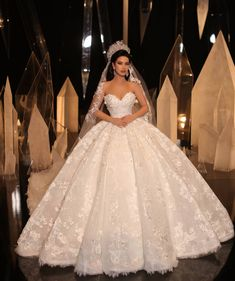 the princess wedding dress Simple Lace Wedding Dress, Beautiful Wedding Gowns, Cheap Wedding Dress, Casual Wedding, Elegant Wedding, Wedding Shoes, Princess Wedding Dresses, White Wedding Dresses, Bridal Dresses