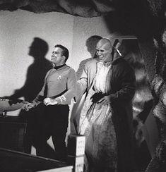The Geek Nerdom – 10 Nostalgic Images Of The Original Star Trek Actors Behind-The-Scenes!