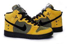 Anti-fraud - The North Face Nike Sb Dunks, The North Face, Air Jordans, Kicks, Sneakers Nike, Urban, Yellow, Chrome, Pedestrian