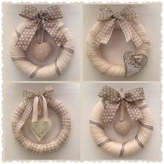 Christmas Art, All Things Christmas, Christmas Ornaments, Deco Mesh Wreaths, Holiday Wreaths, Curtain Rings Crafts, Christmas Decorations Diy Crafts, Drop Cloth Projects, Diy Wreath