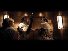 スタントマンと逃がし屋の二つの顔を持つドライバーの姿をクールに描き、欧米の評論家の称賛を浴びたクライム・サスペンス。昼と夜では別の世界に生きる孤独な男が、ある女性への愛のために危険な抗争へと突き進んでいく。メガホンを取ったデンマーク人監督ニコラス・ウィンディング・レフンは、本作で第64回カンヌ国際映画祭監督賞を受...