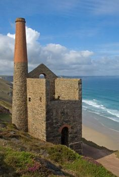 TOWANROATH ENGINE HOUSE: Wheal Coates mine, near St Agnes, Cornwall. Would pass this daily when I lived in St. Agnes - at the foot of the beacon, on top of a cliff over the sea with a clear vista to America. Devon And Cornwall, Cornwall England, Holidays In England, Engine House, South West Coast Path, St Agnes, British Seaside, Walking Holiday, Wales Uk