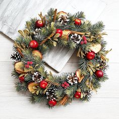 Traditional christmas wreath Christmas Natural Wreath Red