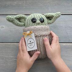 Free Knit & Crochet Scrunchies Patterns – Savlabot Bobble Stitch Crochet, Knit Crochet, Free Crochet, Crochet Crafts, Knit Beanie Pattern, Free Knitting, Loom Knitting, Baby Knitting, Knitting Patterns