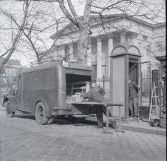 1957 Nemzeti Múzeum. Telefofülke telepítés Old Pictures, Old Photos, Budapest Hungary, Historical Photos, Landscapes, The Past, History, Retro, Country