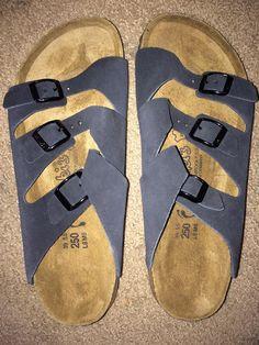 65713d3306eeb Birkenstock Birki s black sandals size 39 5.5 L8 M6 (Womens US Size 8)