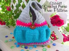 The Perfect Crochet Purse - Every woman deserves to have the perfect purse in her collection. The strap on this design is short enough so it won't fall off your shoulder!