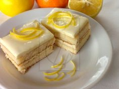 Refreshing lemon slices which ensure you a compliment from your guests. The recipe was made from the half-dose of a standard, but if you expect more guests, it is recommended to double the dose. Finger Desserts, Sweet Recipes, Cake Recipes, Dessert Recipes, Tea Cakes, Cupcake Cakes, Czech Recipes, Fruit Jam, Sweet And Salty