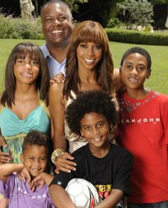 Holly Robinson Peete with her family