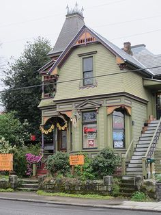 Or live in a Victorian condo. It's when a Victorian house turns into apartments. This photo is of Pied Cow Coffeehouse -- Desserts & savory bites offered in a Victorian home with romantic patio doubling as a hookah garden. Portland Restaurants, Visit Portland, Portland Oregon, Portland Eats, Travel Portland, Oregon Washington, Oregon Travel, Victorian Homes, Pacific Northwest