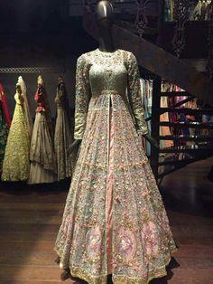 Bridal Mehndi Dresses, Indian Bridal Lehenga, Indian Bridal Fashion, Pakistani Wedding Outfits, Bridal Outfits, Wedding Lehnga, Wedding Wear, Indian Engagement Outfit, Engagement Outfits