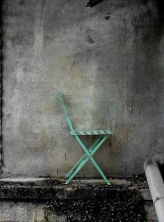 whitenoten:  Jogo-z Blue hip tones constructed in solitude