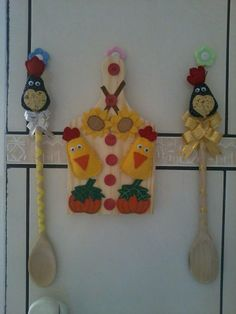 Tábua e colher de pau para decorar a cozinha