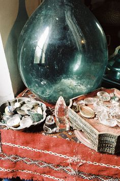 Under The Influence Photography by Quentin de Briey - Xavier Encinas, Creative Direction. Crystals And Gemstones, Stones And Crystals, Healing Stones, Crystal Healing, Home Altar, Bohemian House, Gems And Minerals, Magick, Pagan