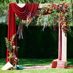 64 отметок «Нравится», 3 комментариев — ▫️Свадебный декор (@good_design_kz) в Instagram: «Яркая сочная бохо-свадьба: бархат, невероятная флористика от @botanika_almaty потрясающее…»