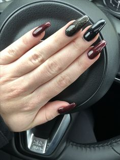 red black coffin shape nails acrylic maroon burgundy fall winter nails