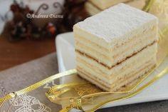 Honey Cake with Semolina Cream Hungarian Desserts, Romanian Desserts, Romanian Food, Just Desserts, Delicious Desserts, Yummy Food, Honey Recipes, Sweet Recipes, Food Cakes